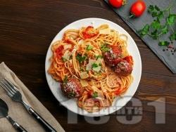 Талиатели или спагети (паста) с кюфтенца от сурова наденица - снимка на рецептата